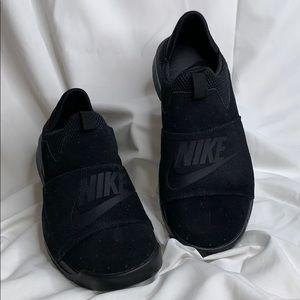 03ef376f9c9e54 Nike Shoes - Mens Nike Benassi SLP 882410-003 Black Black